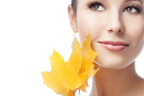 Как ухаживать за кожей лица и рук осенью и зимой